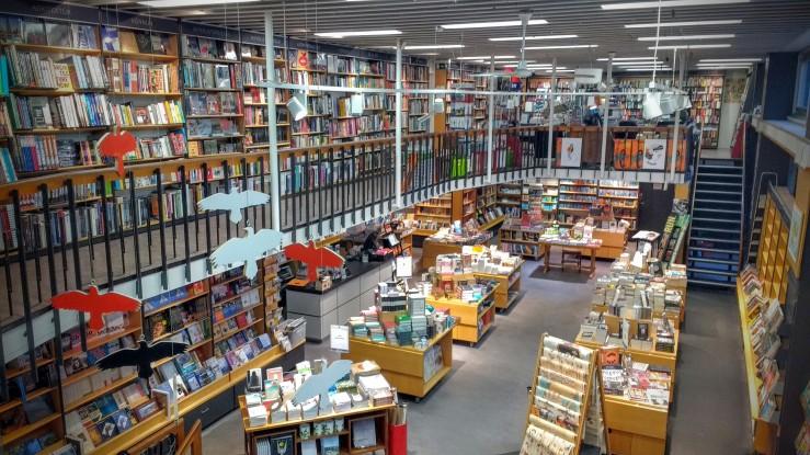 reykjavik-bookshelfie