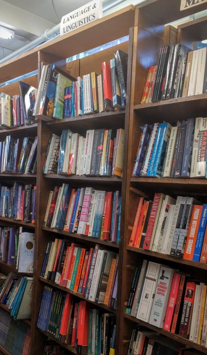 vons-indiana-bookshelfie