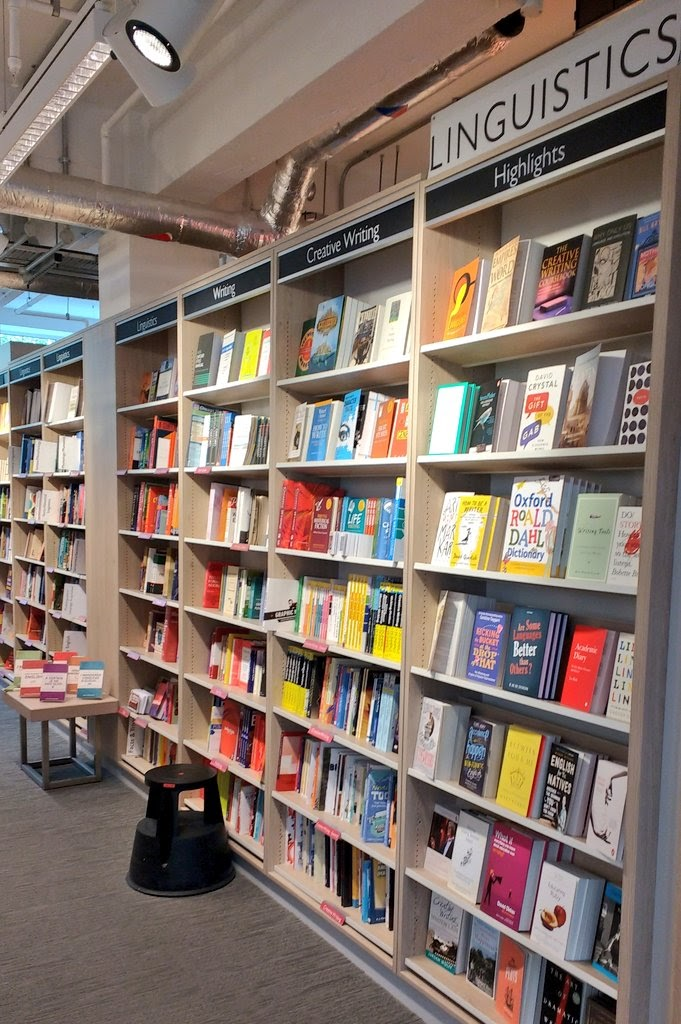 foyles-london-bookshelfie